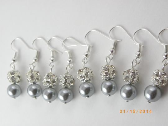 Preload https://item5.tradesy.com/images/gray-sale-set-of-8-bridesmaid-pearl-pairs-bridesmaid-rhinestone-pearl-earrings-716474-0-0.jpg?width=440&height=440