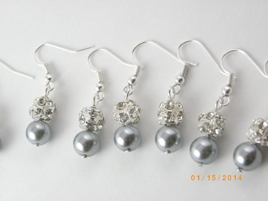 Gray Sale Set Of 8 Bridesmaid Pearl Pairs Bridesmaid Rhinestone Pearl Earrings