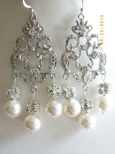 Preload https://img-static.tradesy.com/item/716485/cream-chandelier-swarovski-crystal-and-pearl-victorian-vintage-style-earrings-0-0-540-540.jpg