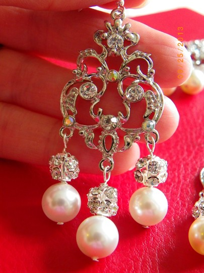 Cream Chandelier Swarovski Crystal and Pearl Victorian Vintage Style Earrings