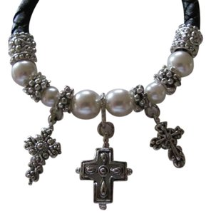 other BRACELET WITH PEARLS ,SILVER, 3 CROSSES