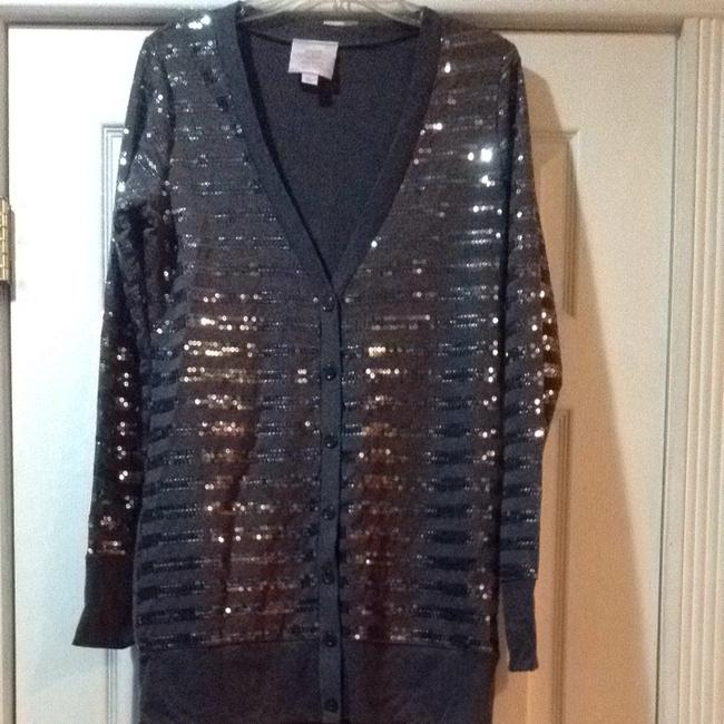 Preload https://item1.tradesy.com/images/romeo-and-juliet-couture-gray-with-sequin-accents-cardigan-size-10-m-716940-0-0.jpg?width=400&height=650