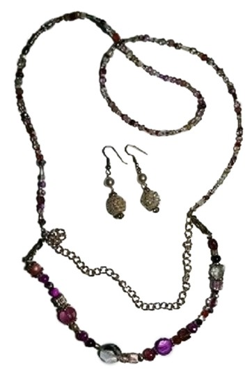 Preload https://img-static.tradesy.com/item/7170406/silver-pink-white-red-handmaded-beaded-earrings-set-a008-necklace-0-1-540-540.jpg
