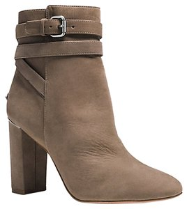 Coach Pumps Taupe Boots