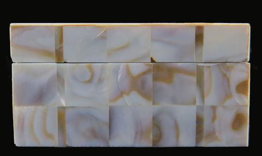 Other ANTIQUE * 1900 * JAPANESE KOMAI WARE & MOTHER OF PEARL BOX Image 5