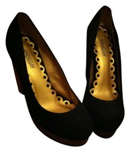 Seychelles Pump Sexy Wooden Heel Classic Black Pumps