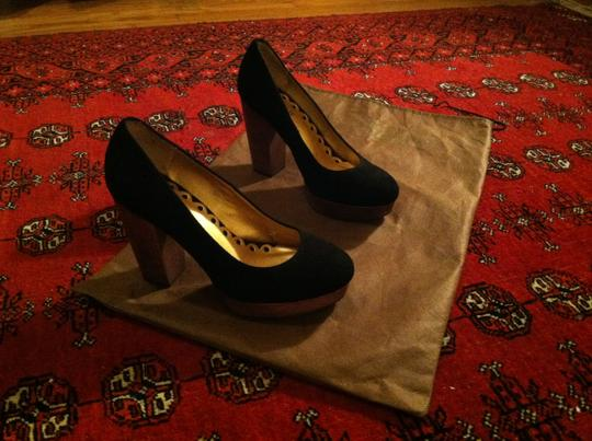 Seychelles Sexy Wooden Heel Classic 8 Platform New Year's Gold Black Pumps
