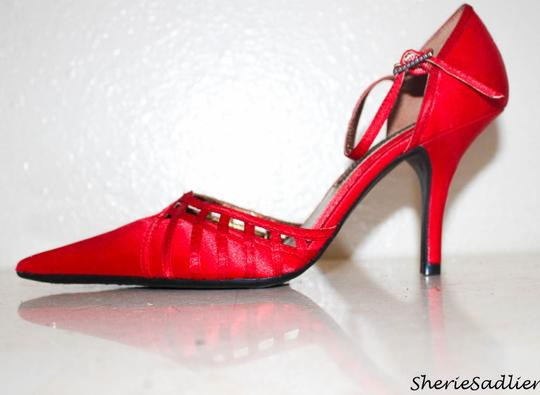 Chinese Laundry Closed Toe Kitten Heels Strappy Rhinestone Red Formal