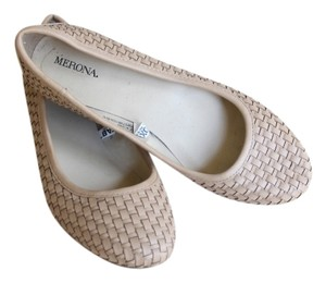 Merona Nude One Inch Small tan Wedges