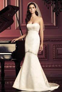 Paloma Blanca Ivory Silk 3963 Formal Wedding Dress Size 2 (XS)