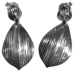 Other Sterling Silver dangled leaf design earrings