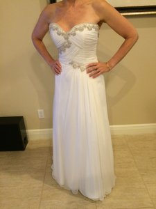 Forever Yours International Ivory Chiffon and Tulle Underneath Feminine Wedding Dress Size 6 (S)