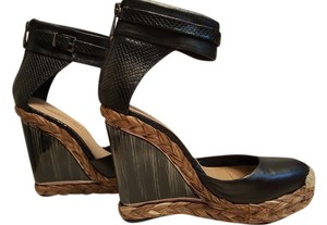BCBGMAXAZRIA Black Brown Wedges