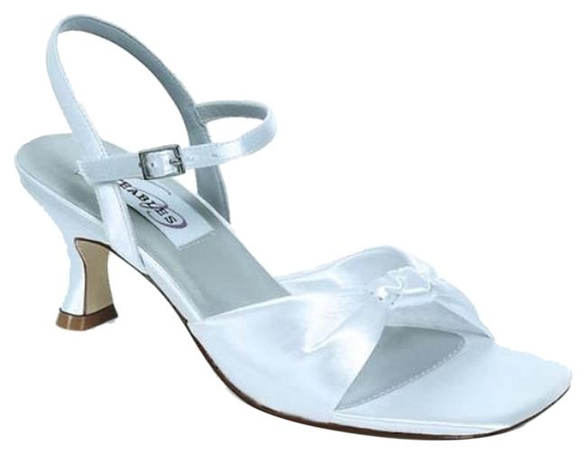 Dyeables White Lovely Formal Shoes Size US 7.5 Regular (M, B) Dyeables White Lovely Formal Shoes Size US 7.5 Regular (M, B) Image 1
