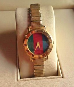 Gucci Gucci 3000L classic swiss made watch BRAND NEW CRYSTAL & BATTERY(Working)