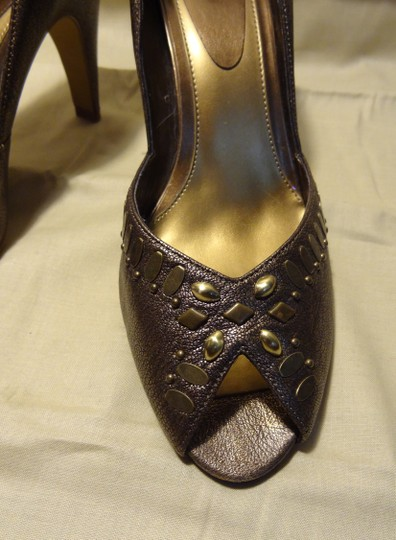 Linea Paolo Studded Leather bronze Pumps