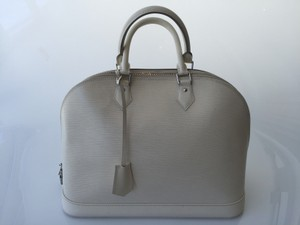 Louis Vuitton Satchel in Ivory
