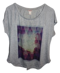 Xhilaration Soft T Shirt Gray & Multi