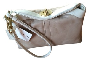 Coach Wristlet in Putty/Cream