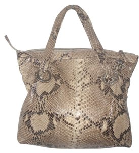 Menotti Tote in Tan/Brown