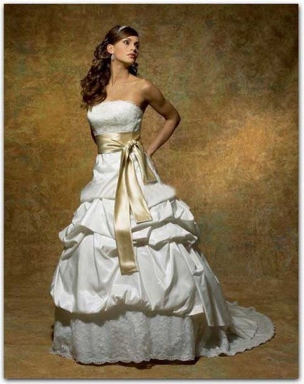 Preload https://item3.tradesy.com/images/symphony-bridal-ivory-gold-taffeta-satin-and-lace-s1820-vintage-wedding-dress-size-12-l-721377-0-0.jpg?width=440&height=440