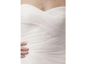 Monique Lhuillier Ivory Blush Tulle Forever Formal Wedding Dress Size 8 (M)