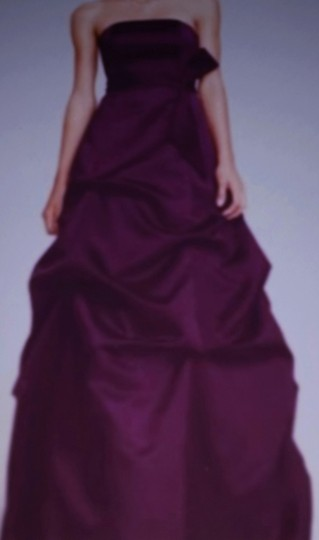 David's Bridal Plum Satin Strapless Formal Bridesmaid/Mob Dress Size 6 (S) Image 2