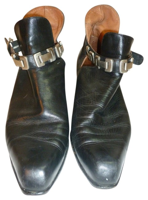 Item - Black Leather Boots/Booties Size US 8