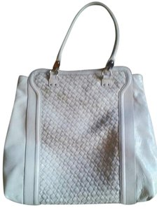 Elliott Lucca Beach Tote in WHITE PATENT LEATHER