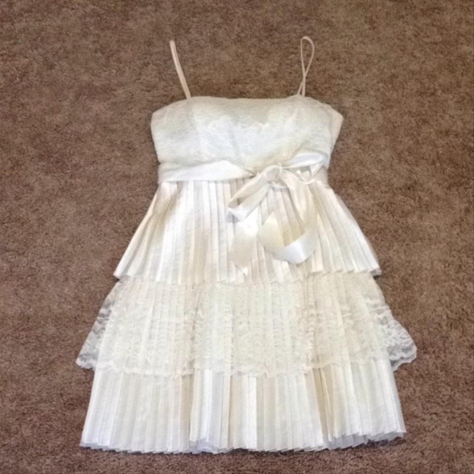 Wedding Gown On Sale: Steppin' Out Wedding Dress