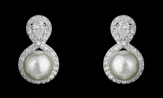 Preload https://img-static.tradesy.com/item/7235803/clear-czpearl-and-rhodium-outstanding-quality-shaped-earrings-0-0-540-540.jpg