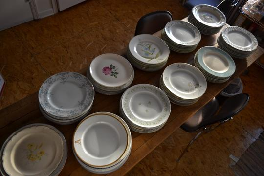 Varied 24 Shabby Chic Mismatched Dinner Plates