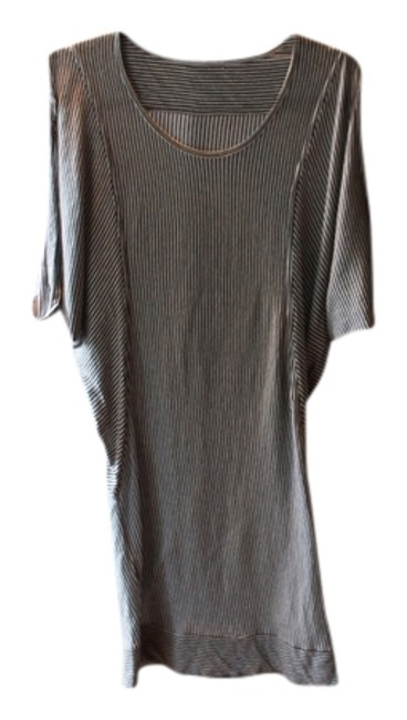 Preload https://item3.tradesy.com/images/black-and-white-above-knee-short-casual-dress-size-8-m-724027-0-0.jpg?width=400&height=650