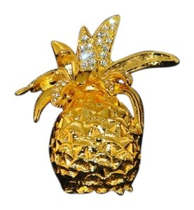 Kenneth Jay Lane Gold Plated Pineapple Brooch W/Clear Crystals On Top Warrenty Card NEW