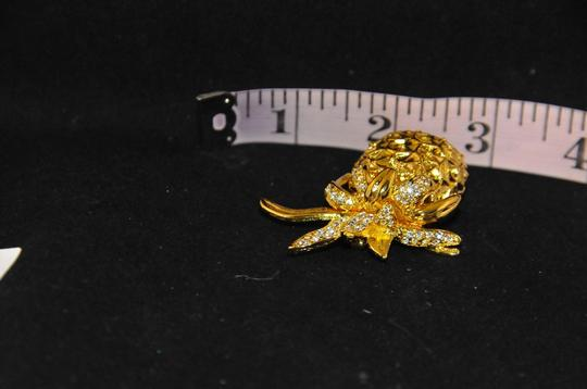 Kenneth Jay Lane Gold Plated Pineapple Brooch W/Clear Crystals On Top Warrenty Card NEW Image 6
