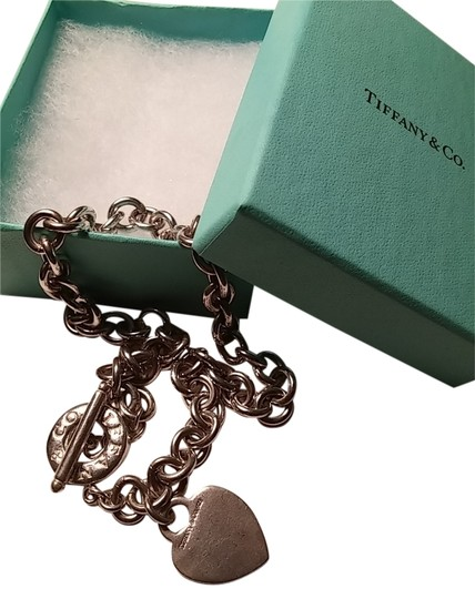 Preload https://img-static.tradesy.com/item/7241413/tiffany-and-co-silver-co-necklace-0-2-540-540.jpg