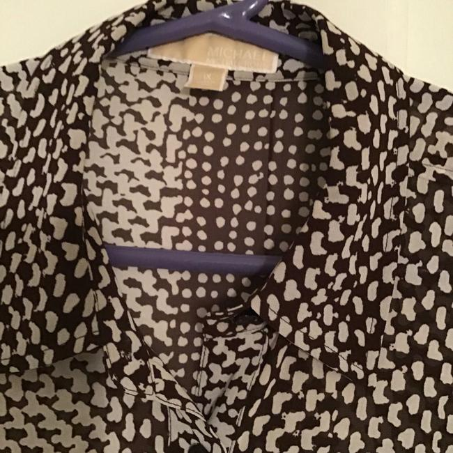 MICHAEL Michael Kors Silk Abstract Triangles Print Top Brown/white Image 3