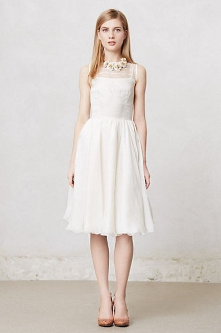 Item - White Silk Linen and Polyester Lining Natalie Casual Wedding Dress Size 10 (M)