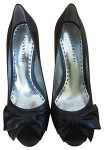 Gianni Bini Peep Toe Bows Heels black Pumps