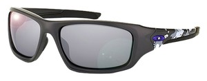Oakley Oakley OO9236-21 Infinite Hero Carbon/Black Lens Sunglasses