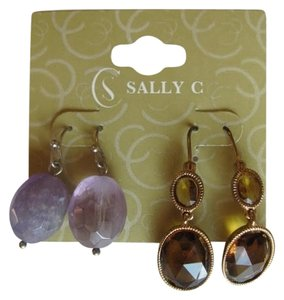 SALLY C NEW ON CARD 2 PAIR EARRINGS
