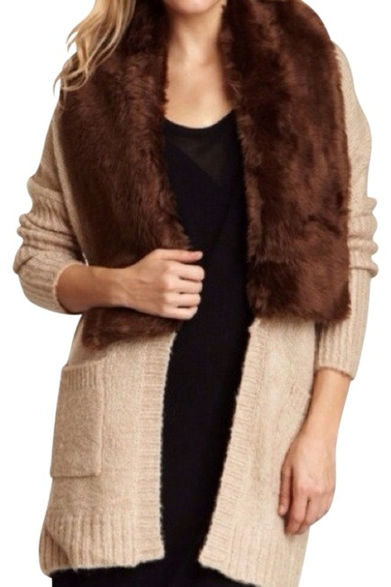 Preload https://item3.tradesy.com/images/romeo-and-juliet-couture-fur-coat-size-8-m-727112-0-0.jpg?width=400&height=650