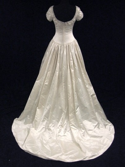 Lazaro Ivory Silk Satin Gown with Full Pleated Skirt and Beaded Embroidery Wedding Dress Size 8 (M)