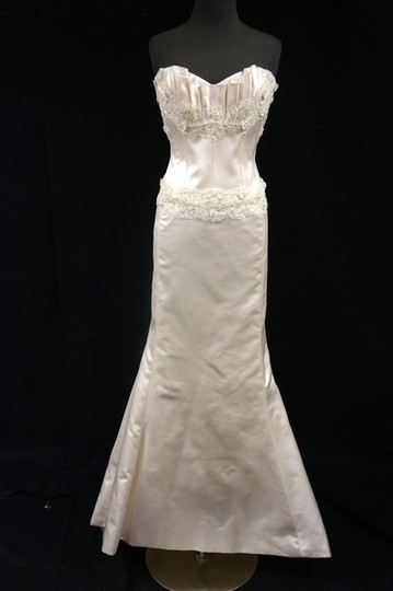 Preload https://img-static.tradesy.com/item/727328/elizabeth-fillmore-ivory-silk-satin-emmanuelle-trumpet-gown-wedding-dress-size-6-s-0-0-540-540.jpg