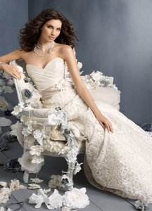 Jim Hjelm Occasions 8912 Wedding Dress