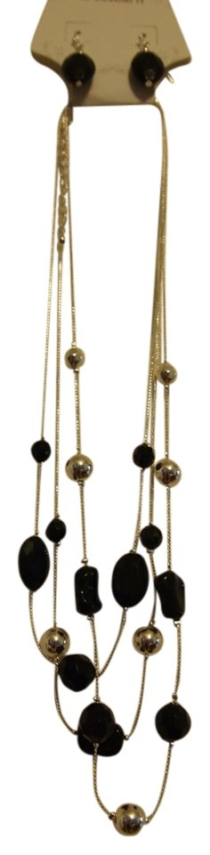 Dress Barn Black And Silver Set Of Earrings From Necklace