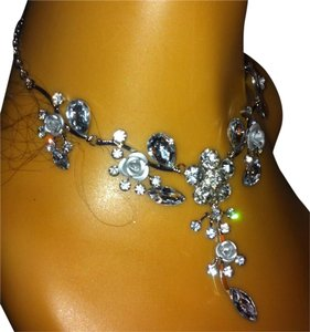 Clear Elegent Flower Necklace & Earring Set 0030