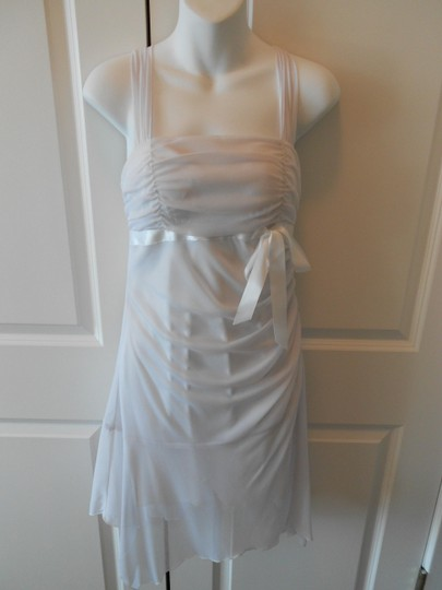 XOXO White Chiffon/Polyester Sheer Feminine Bridesmaid/Mob Dress Size 8 (M)