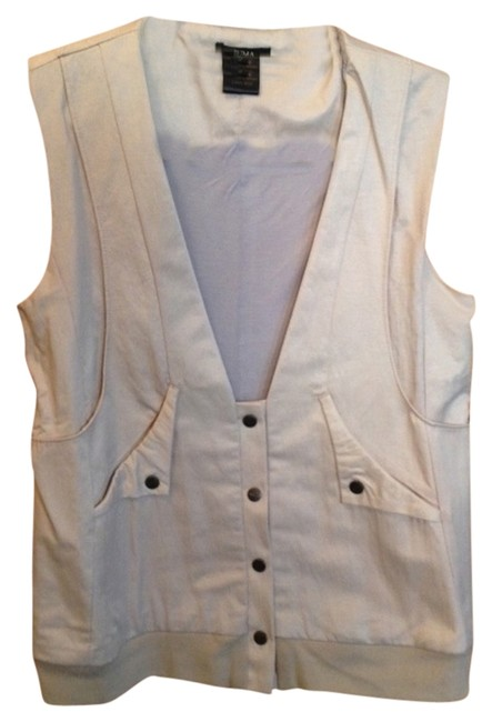 Preload https://item1.tradesy.com/images/tan-vest-size-4-s-730335-0-0.jpg?width=400&height=650
