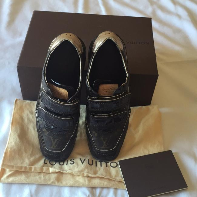 Item - Brown Sneakers Size US 7 Regular (M, B)